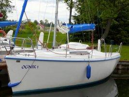Jacht Tango 760 Charter